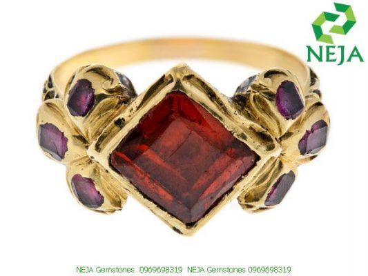 nhẫn vàng almandine garnet