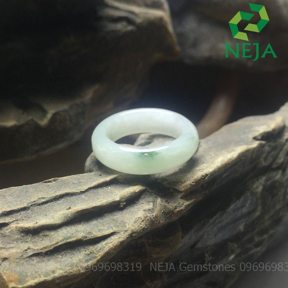 nhẫn cẩm thạch trắng tròn