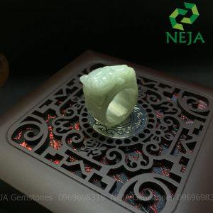 nhẫn tỳ hưu đá cẩm thạch
